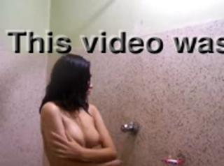 desi Desi Teen bathroom video for boyfriend