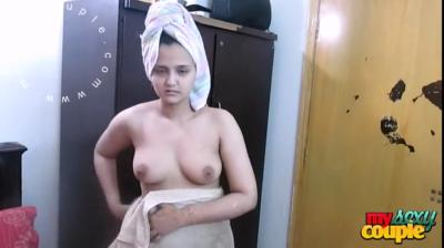 desi Sonia Bhabhi hot nude video leaked