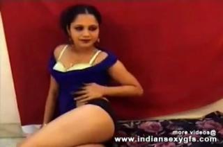 desi Hot Desi Girl Dancing Pressing Boobs