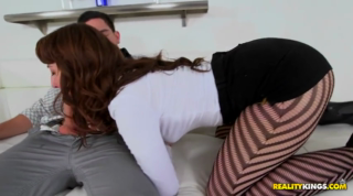 Hot Mom With Huge Ass Cheeks Seduced For Sex