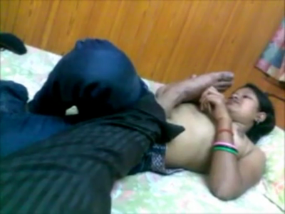 desi Indian girl fucked in hotel by BF