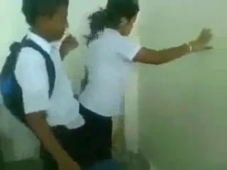 Video Goyang Kimcil No Sensor Siswa Siswi ABG SMP Mesum