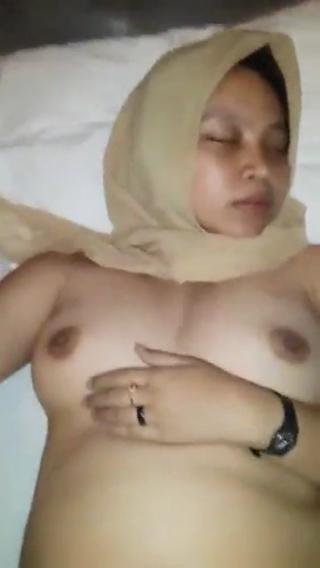 Video mesum ngentot jilbab montok masih perawan