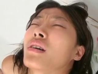 Bokep korea cantik meki sempit mesum sama bule