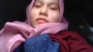 Ngentot jilbab pink jembut tipis