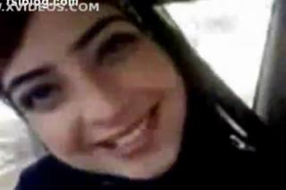 Gadis arab cantik berjilbab pamer payudara bulat montok