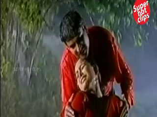 desi Aunty Wet Navel Kiss By Young Boy In Rain