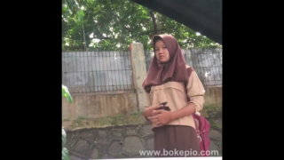 Download vidio bokep Adek yg manis kenapa malu malu liatin abang ngocok kontol mp4 3gp gratis gak ribet