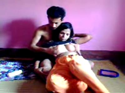 desi Desi rendi loud sex on floor
