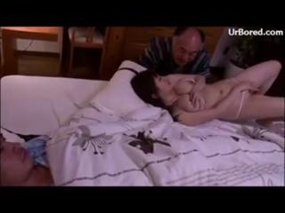 Istri selingkuh sama mertua saat suami lagi tidur