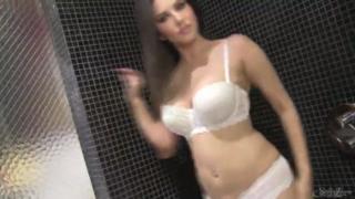 Naughty Girl Sunny Leone Pussy Lips